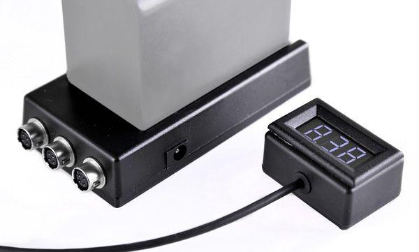 Kortwich NP-F Akkuhalter mit 3x Hirose-Buchsen 12V, mit Voltanzeige